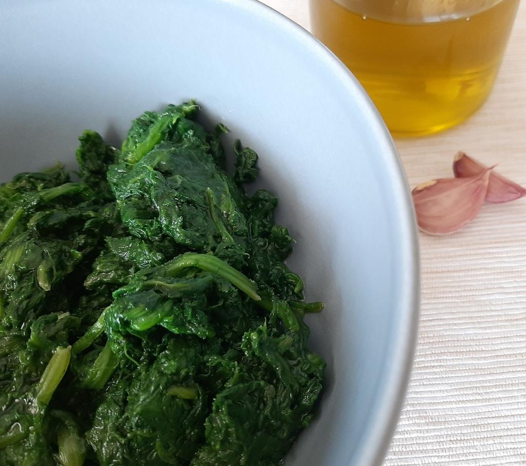 spinaci in padella / non solo tofu